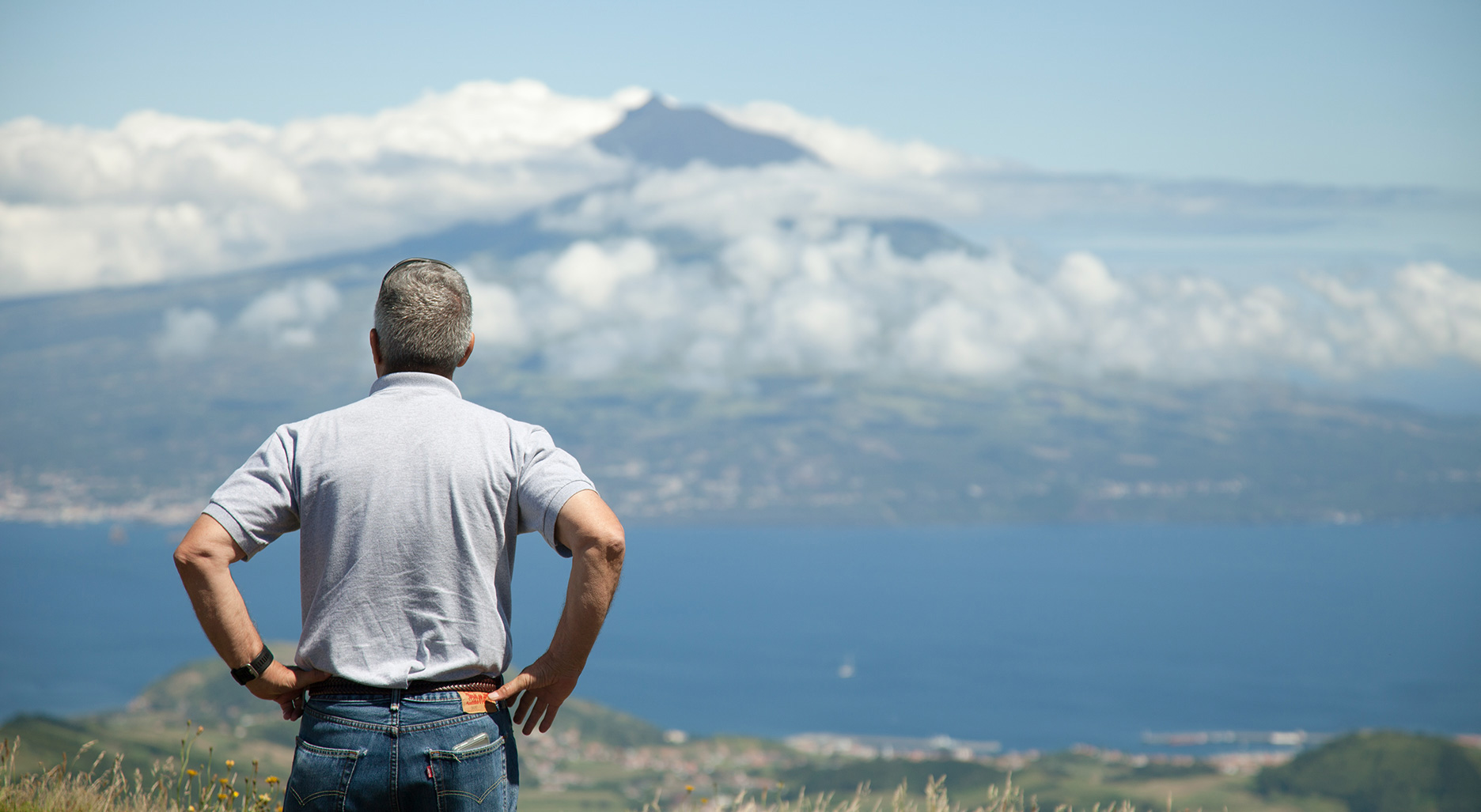 Customer enjoying Pico mountain view in the background. Faial half day includes the main attractions